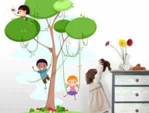 Παιδάκια πάνω στο δέντρο Παιδικά Αυτοκόλλητα τοίχου 44 x 35 cm