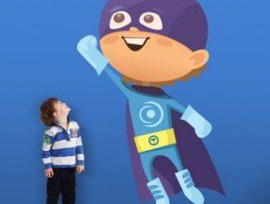 Παιδάκι σούπερ ήρωας Παιδικά Αυτοκόλλητα τοίχου 35 x 57 εκ.