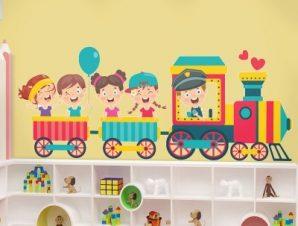 Βόλτα με το τρενάκι Παιδικά Αυτοκόλλητα τοίχου 70 x 27 εκ.