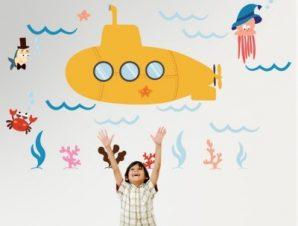 Υποβρύχιο στον βυθό Παιδικά Αυτοκόλλητα τοίχου 120 x 75 εκ.