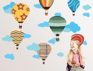 Αερόστατα πολύχρωμα Παιδικά Αυτοκόλλητα τοίχου 61 x 78 cm
