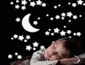Διακοσμητικά αυτοκόλλητα τοίχου White Stars φωσφορίζοντα αφρώδη