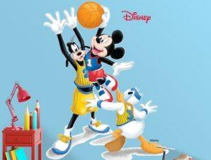 Mickey & friends play basketball Παιδικά Αυτοκόλλητα τοίχου 30 x 38 εκ.